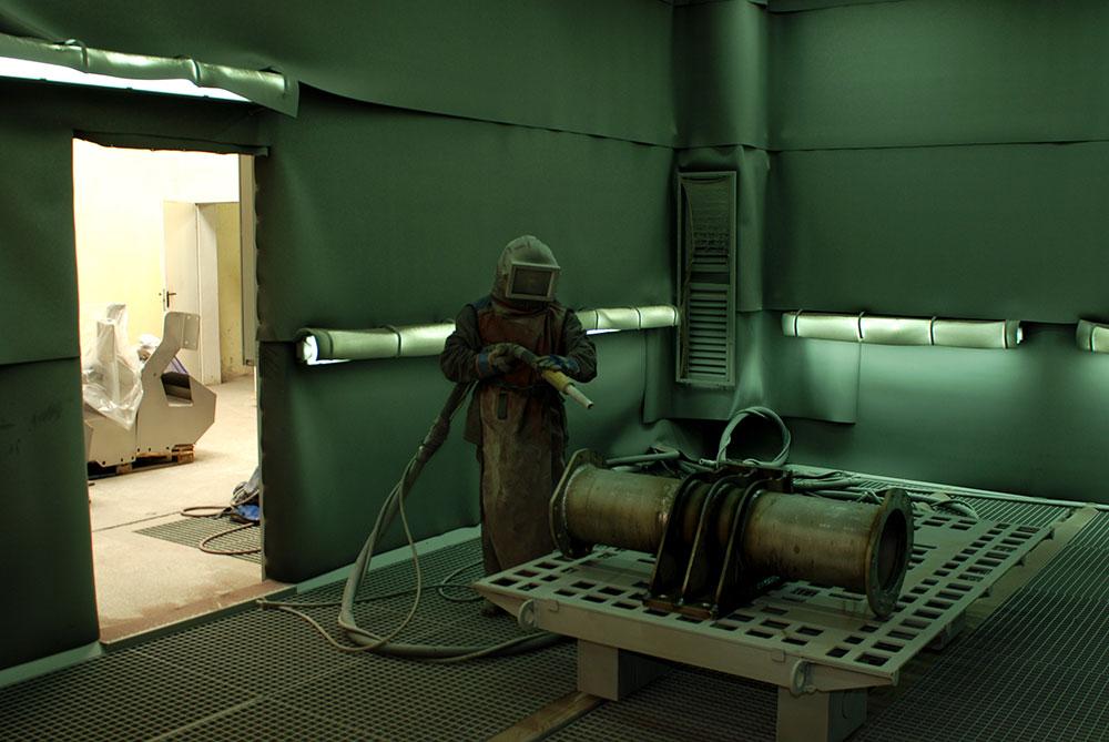 Kabina do śrutowania stali węglowej