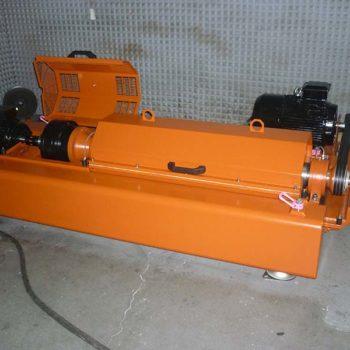 Spomasz-Wronki dostarczył wirówkę WD250 do oczyszczania płuczki wiertniczej stosowanej w przemyśle wiertnictwa budowlanego i geotermalnego