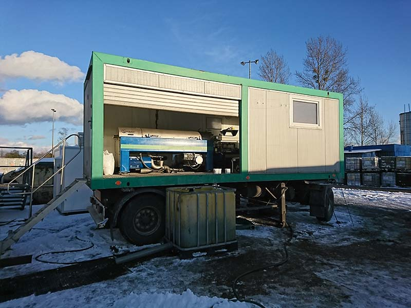 Sewage sludge mechanical dewatering mobile station