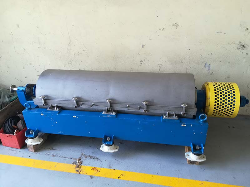 Major repair of an AWP 35 type horizontal decanter centrifuge