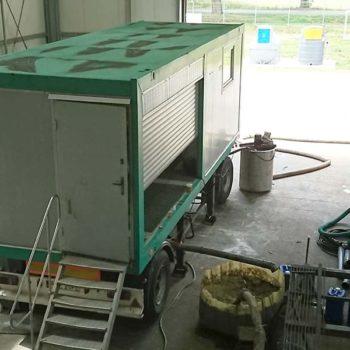 Spomasz przeprowadził testy odwadniania przemysłowych osadów ściekowych z wykorzystaniem mobilnej stacji mechanicznego odwadniania osadów ściekowych opartej na wirówce W3D350.6.