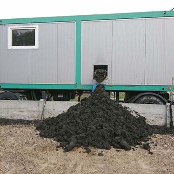 Spomasz wykonał usługę odwadniania komunalnych osadów ściekowych z wykorzystaniem stacji testowej.
