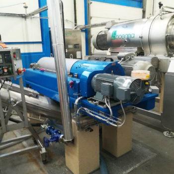 Spomasz wyprodukował i uruchomił szereg urządzeń wchodzących w skład laboratoryjnej linii technologicznej do przeprowadzania testów na produktach spożywczych